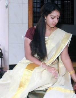 malavika-in-set-saree