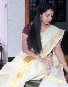 malavika-in-set-saree
