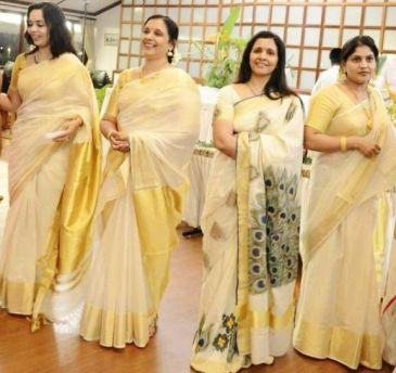 women-in-kerala-saree